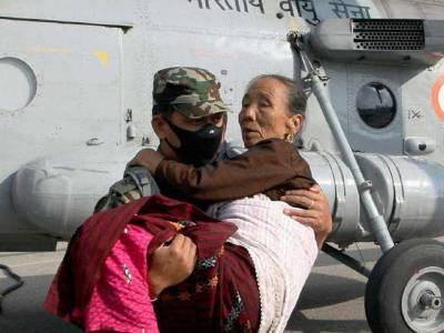قیامت خیز زلزلہ ،نیپالی عوام نے بھارتی میڈیا کےساتھ وہی سلوک کردیاجو کسی بھی غیرت مند قوم کو کرنا چاہیے
