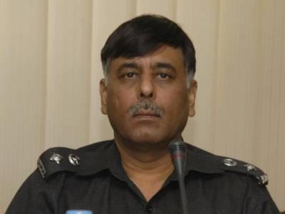 الطاف حسین کی توپ سے اڑانے کی دھمکی ، ایس ایس پی راﺅانوار نے مقدمے کیلئے درخواست دیدی