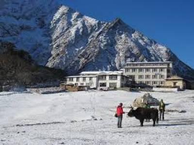نیپالی حکام کی ماﺅ نٹ ایورسٹ کے سفر کو ممکن بنانے کی کوشش