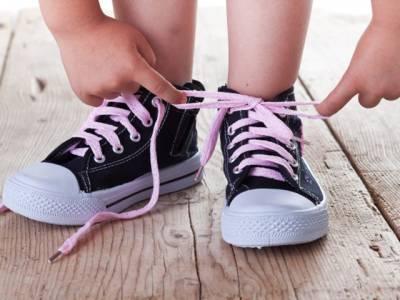 صرف دو سیکنڈ میں جوتوں کے تسمے باندھنے کا درست اور آسان طریقہ