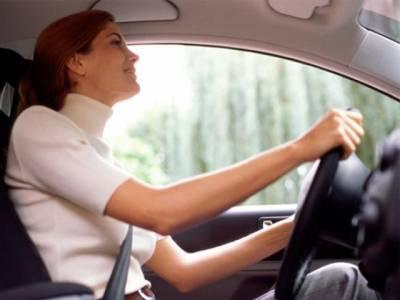 آپ کے خیال میں خواتین زیادہ اچھی ڈرائیور ہوتی ہیں یا مرد؟سائنسدانوں کے جواب نے راز کو مزید پراسرار کر دیا