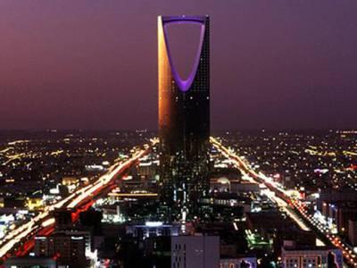 عرب ریاست کا وہ فیصلہ جو مقیم غیر ملکیوں پر بجلی بن کر گرگیا،بڑی مشکل کھڑی ہوگئی