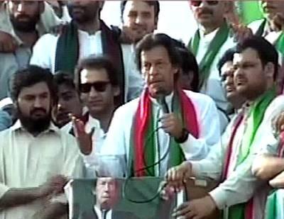 میرا ایمان ہے الیکشن اسی سال ہو گا، بلدیاتی انتخاب کے ذریعے خیبرپختونخواہ میں انقلاب لا رہے ہیں: عمران خان
