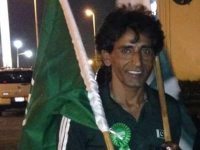 حرمین شریفین کا پیدل سفر، کراچی سے ریاض پہنچنے والا پاکستانی پیدل ہی جدہ روانہ