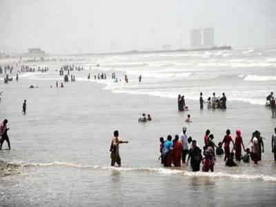 سمندری طوفان ''اشوبھا'' نے عمان کا رخ کر لیا، رفتار میں کمی