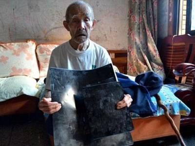 94سالہ آدمی 70سال سے اپنے پیٹ میں کیا لیے پھررہاہے،جان کرآپ کو یقین نہیں آئے گا