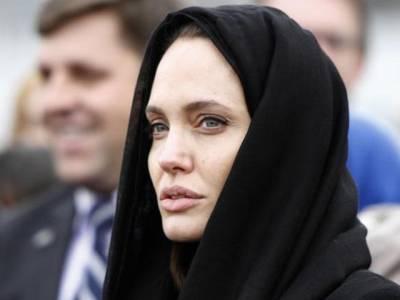 خواتین کے خلاف مظالم کا خاتمہ ہونا چاہئے:انجلینا جولی