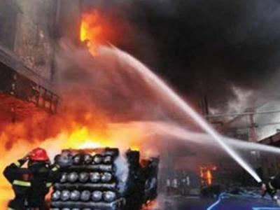 کراچی میں گرمی کے بعد آگ، پانی کی قلت کی وجہ سے فائربریگیڈ کومشکلات کاسامنا