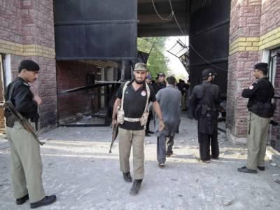 ڈیرہ اسماعیل خان جیل پر حملہ، غفلت ثابت ہونے پر 40 پولیس اہلکار برطرف
