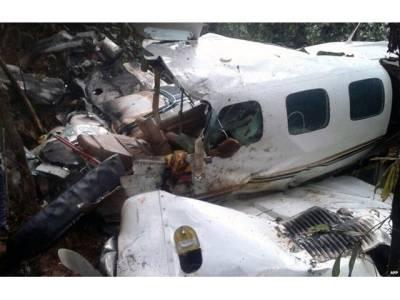 طیارہ حادثہ میں ماں اور بیٹے کی جان معجزانہ طور پر بچ گئی،ایساکیسے ممکن ہوا؟جان کرآپ بھی سبحان اللہ کہنے پر مجبور ہو جائیں گے