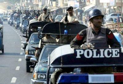 عوام کو کیسا خطرہ ہے؟ سندھ پولیس کی بھاری نفری سیاستدانوں کی حفاظت پر معمور