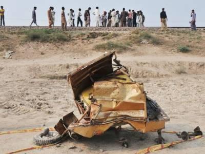 رکشے اور ٹریکٹر ٹرالی میں تصادم سے 2 افراد جاں بحق،5 شدید زخمی