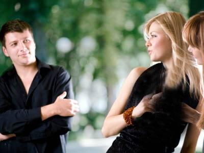مرد ایک دن میں کتنا وقت عورتوں کو گھورنے میں گزاردیتے ہیں؟ جدید تحقیق نے مردوں کو انتہائی شرمندہ کردیا