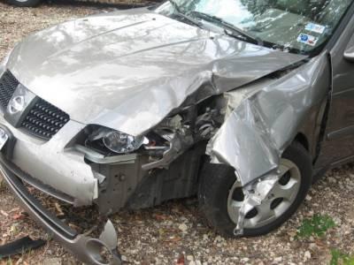 ٹریفک حادثے میں 2 افراد جاں بحق'15 زخمی