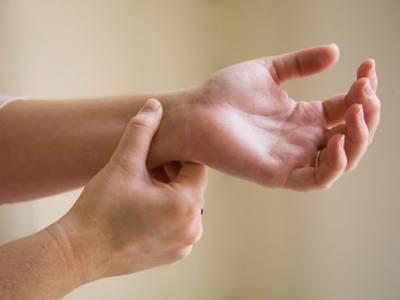 کلائی کے پاس اس پوائنٹ کو دبانے کے آپ کے جسم پر کیا اثرات مرتب ہوتے ہیں؟ جان کر آپ ضرور آزمائیں گے