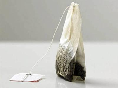 استعمال شدہ ٹی بیگز پھینکنے کے بجائے ان سے یہ حیرت انگیز فوائد بھی اٹھائیں