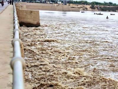 دریائے چناب میں ہیڈمرالہ کے مقام پرنچلے درجے کاسیلاب