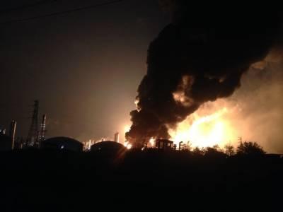 آتش بازی تیار کرنیوالی فیکٹری میں دھماکہ' 15 افراد ہلاک' ملبہ ایک کلومیٹر تک پھیل گیا