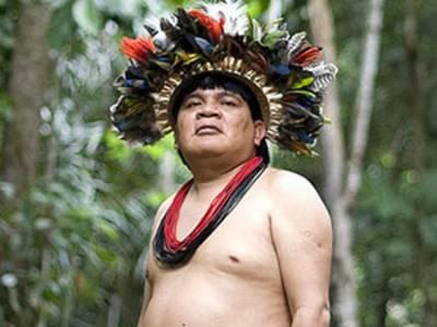 وہ جنگلی قبیلہ جسے اپنی بقاء کیلئے انٹرنیٹ کا سہارا لینا پڑگیا