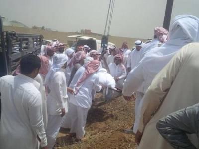 سعودی دفاعی ادارے کے اہلکاروں کو 220کلووزنی شخص کو دفنانے کیلئے کرین کا استعمال کرنا پڑا