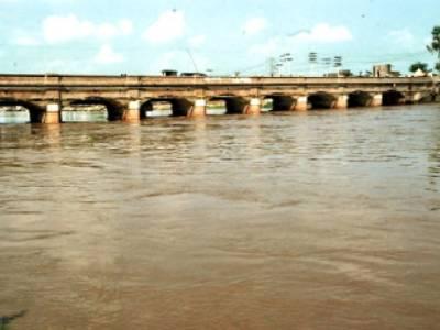 دریائے سندھ کے علاوہ دریا معمول کے مطابق بہہ رہے ہیں، ابھی تک سیلابی پانی سے کوئی جانی نقصان نہیں ہوا:شجاع خانزادہ