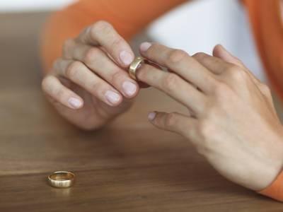 کس عمرمیں شادی ہو تو طلاق کا امکان سب سے زیادہ ہوتا ہے؟ سائنسدانوں کے انکشاف نے ہمارے تمام خیالات غلط ثابت کردئیے