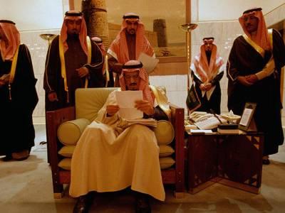 سعودی بادشاہ چھٹیوں پر فرانس پہنچ گئے، کتنی گاڑیاں اور لوگ ساتھ موجود، کیا کیا انتظامات کئے گئے؟ تفصیلات جان کر آپ دنگ رہ جائیں گے
