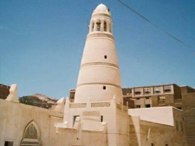 یمن میں القاعدہ نے 700سال پرانی مسجد شہید کردی