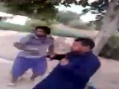 صادق آباد میں مغوی نوجوان پربرہنہ کرکے باربار بدترین تشدد ، گنداپانی پلایا گیا ،ملزمان ویڈیو بھی بناتے رہے