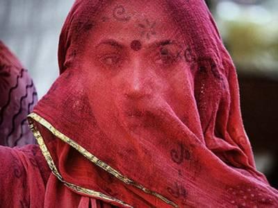 بھارت میں ریپ کا نشانہ بننے والی نوجوان لڑکی کو اپنی بیگناہی ثابت کرنے کیلئے خوفناک حکم دے دیا گیا