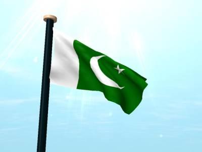 قومی پرچم کا ڈیزائن امیر اللہ قدوائی نے مرتب کیا، ماسٹر الطاف حسین نے سلائی کیا