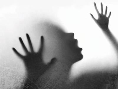 قصور کے بعد ایک اور دل دہلا دینے والی کہانی سامنے آگئی ، اپنے ہی چچا نے 12 سالہ لڑکی پر ظلم کا پہاڑ گرادیا