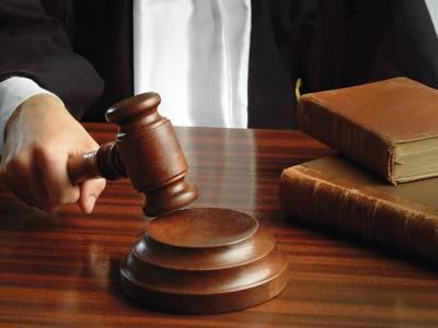 ملائشین بچی ماں کے حوالے ،دادی نیم بے ہوش ہوکر عدالت میں گر گئی