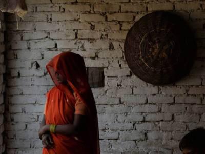 4 آوارہ لڑکے اور۔۔۔ بھارتی نوجوان لڑکی نے خود ہی آگ لگالی ایسا واقعہ کہ جان کر کوئی بھی کانپ اٹھے