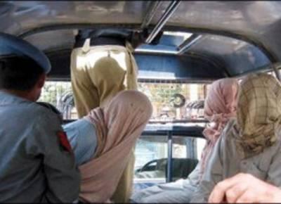 حسن ابدال میں ایک گاڑی سے بھاری مقدار میں اسلحہ برآمد ،تین ملزمان گرفتار