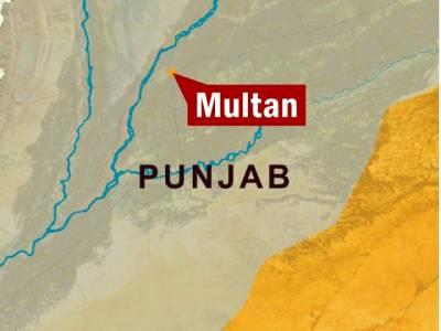 عثمان آباد کے علاقے میں 2 سالہ بچہ کھلے مین ہول میں گر کر جاں بحق