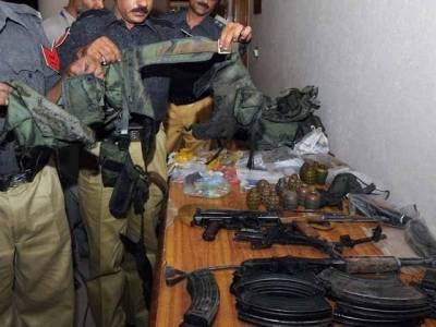 پولیس اور حساس اداروں کی حیدرآباد میں کارروائی ،تین خواتین سمیت 9دہشتگرد گرفتار