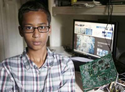 امریکہ میں ہونہار کمسن مسلمان بچے کو دستی گھڑی بنانے پر سزا مل گئی