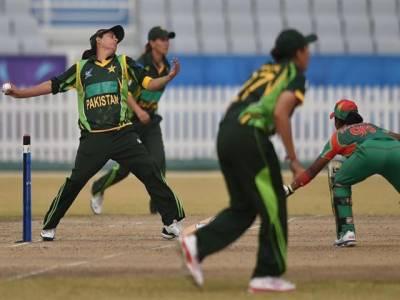 بنگلہ دیش خواتین کرکٹ ٹیم پاکستان کے دورے پر کراچی پہنچ گئی