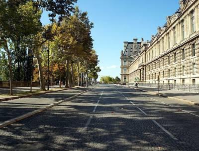 پیرس میں ایک روز کیلئے گاڑیاں چلانے پر پابندی ، ہر طرف پیدل چلنے والوں کا راج
