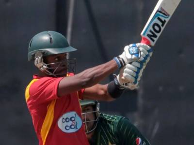 دوسرا ون ڈے:زمبابوے نے ''دھاندلی'' کر کے پاکستان کو 5 رنز سے شکست دیدی، سیریز 1-1سے برابر