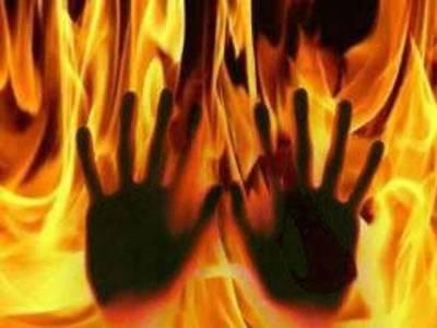 اترپردیش میں انتہا پسند ہندو نے نچلی ذات کے 90سالہ دلت بزرگ کو زندہ جلا دیا