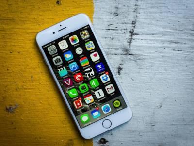 آئی فون 6S کو پانی میں ڈالیں تو کیا ہوتا ہے؟