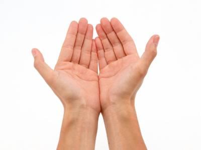 آپ کو بھی مختلف بیماریاں لاحق ہونے کا خدشہ ہے؟اگر ہاں تو اپنی ہتھیلیوں کا رنگ دیکھ کر پتہ لگائیں،مفید معلومات