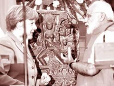 انجیلا مرکل نے مودی کو مقبوضہ کشمیر سے چرایا گیا تاریخی مجسمہ واپس کر دیا