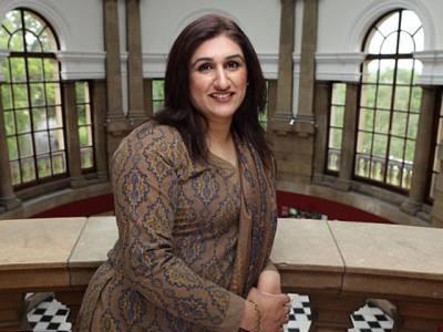 برطانیہ کی سیاست میں نئی تاریخ رقم کرنے والی پاکستانی نژاد خاتون کو بڑا جھٹکا، شرمناک الزام لگ گیا
