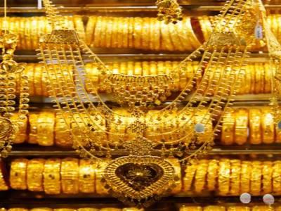 سونے کی فی تولہ قیمت میں 350روپے کمی