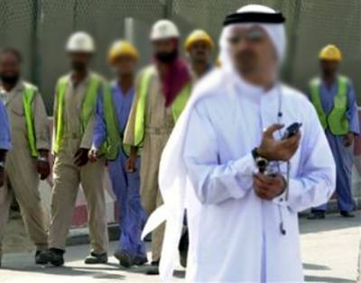غیر ملکیوں کو نوکری دینے کی سالانہ فیس؟ سعودی حکومت کا پریشان کن اعلان