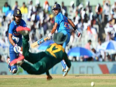 چوتھا ون ڈے ،بھارت کا جنوبی افریقہ کو جیت کیلئے 300 رنز کا ہدف