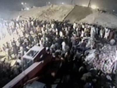 سانحہ سندر، ریسکیو کارروائیاں جاری،23افراد جاں بحق ،100سے زائد مزدور زندہ نکال لیئے گئے،ایک کونکالنے کیلئے ٹانگیں کاٹنی پڑیں